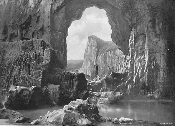 Geology「Lydstep Natural Arch」:写真・画像(11)[壁紙.com]