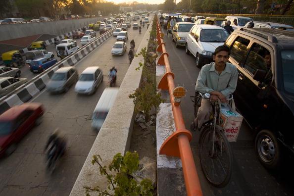 Transportation「Metro Construction Prepares Delhi For Commonwealth Games」:写真・画像(11)[壁紙.com]