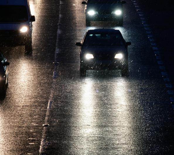 Wet「Bad weather on the M11, dusk」:写真・画像(5)[壁紙.com]