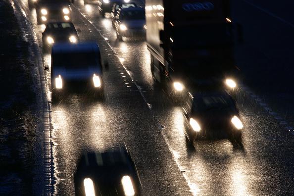 Traffic「Bad weather on the M11, dusk」:写真・画像(6)[壁紙.com]