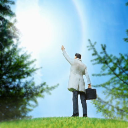 Well-dressed「Artificial businessman waving hhand on the green field.」:スマホ壁紙(10)