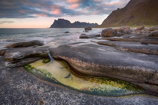ノルウェー「Uttakleiv Beach, Evening Mood, Lofoten, Norway」:スマホ壁紙(15)