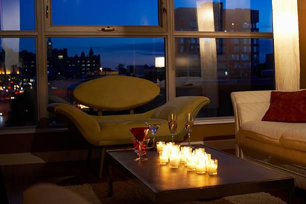 Lit candles in condominium at night, New York City:スマホ壁紙(壁紙.com)