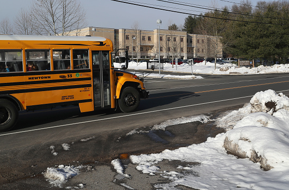 School Bus「Across U.S., Students Walk Out Of Schools To Address School Safety And Gun Violence」:写真・画像(6)[壁紙.com]