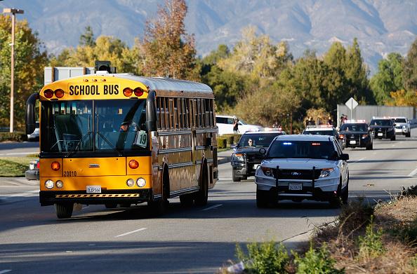 School Bus「Mass Shooting In San Bernardino Leaves At Least 14 Dead」:写真・画像(0)[壁紙.com]