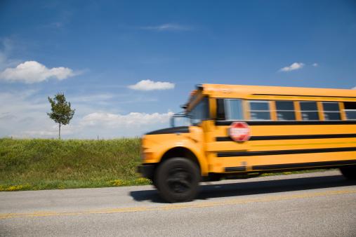 School Bus「School bus (blurred motion)」:スマホ壁紙(17)