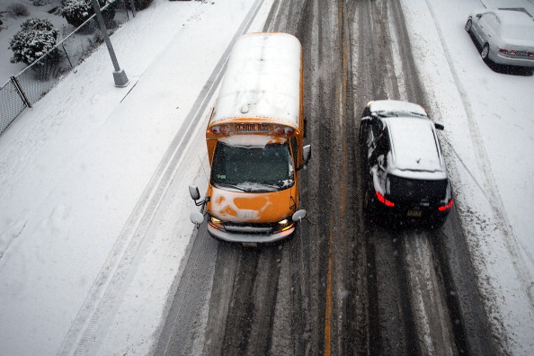 School Bus「New York City Hit With Another Winter Snowstorm」:写真・画像(4)[壁紙.com]