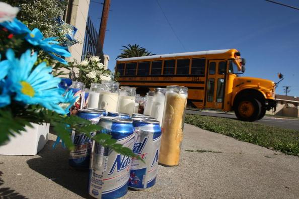 School Bus「Despite Police Efforts, Gang Violence Continues」:写真・画像(1)[壁紙.com]