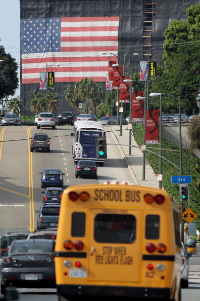 School Bus「Report Places Los Angeles At Top Of List For City With Worst Traffic And Smog」:写真・画像(4)[壁紙.com]