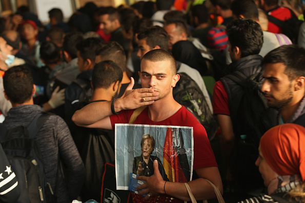 ドイツ「Migrants Arrive In Germany Following Ordeal In Hungary」:写真・画像(8)[壁紙.com]