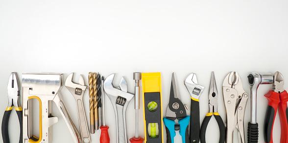 Workshop「Work tools lined up on a white background」:スマホ壁紙(5)