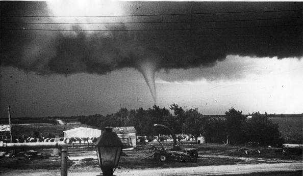 Extreme Weather「No Place Like Home」:写真・画像(16)[壁紙.com]