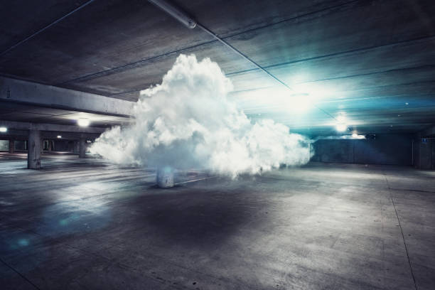 Cloud floating in parking garage:スマホ壁紙(壁紙.com)