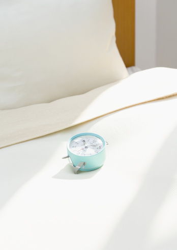 Alarm Clock「A clock on bed」:スマホ壁紙(8)