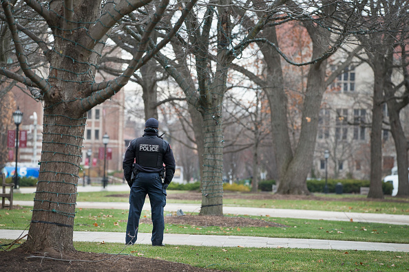 Chicago - Illinois「University Of Chicago Shuts Down After Threat Of Gun Violence」:写真・画像(18)[壁紙.com]