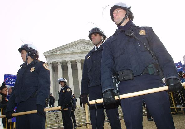 Florida - US State「US Supreme Court Begins New Hand Count Hearing」:写真・画像(3)[壁紙.com]
