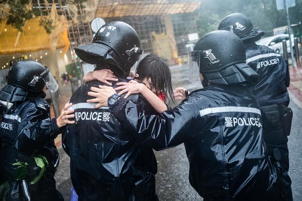 Lam Yik Fei「Hong Kong Sets Highest Storm Alert As Super Typhoon Mangkhut Arrives」:写真・画像(10)[壁紙.com]
