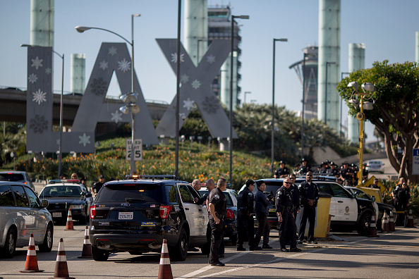 LAX Airport「Workers Across The Country Demonstrate For Higher Minimum Wage」:写真・画像(9)[壁紙.com]