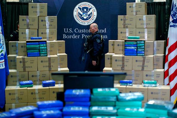 Cocaine「Federal Government Officials Announce Large Cocaine Seizure For Philadelphia Port」:写真・画像(16)[壁紙.com]