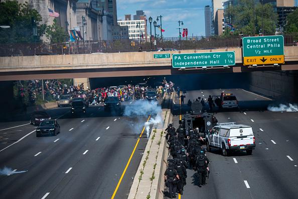 Center City - Philadelphia「Protests Continue In Philadelphia In Response To Death Of George Floyd In Minneapolis」:写真・画像(12)[壁紙.com]