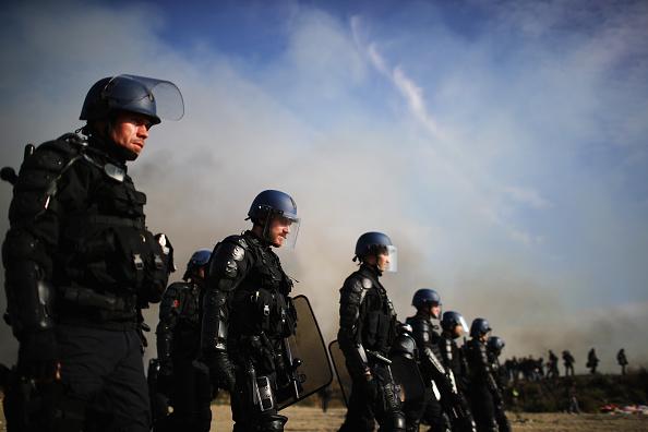 Calais「Migrants Leave The Jungle Refugee Camp In Calais」:写真・画像(1)[壁紙.com]