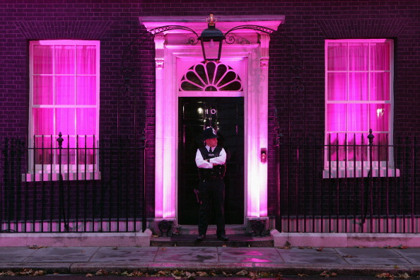Breast Cancer「10 Downing Street Is Illuminated In Pink Light To Support Breast Cancer Awareness Month」:写真・画像(7)[壁紙.com]