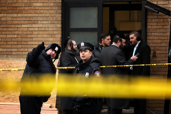 Jersey City「Officials Say Shooting In Jersey City At Kosher Market Was Targeted Attack」:写真・画像(14)[壁紙.com]