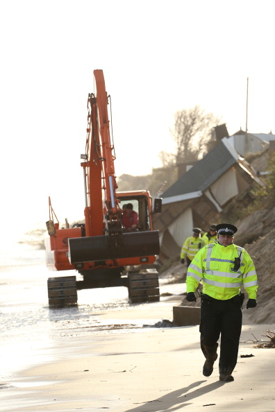 Stephen Pond「UK Hit By Severe Winds As Storm Surges Threaten Coastal Regions」:写真・画像(5)[壁紙.com]