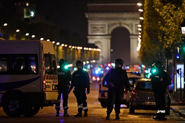 Terrorism「Police Officer Killed In Paris Shooting」:写真・画像(19)[壁紙.com]