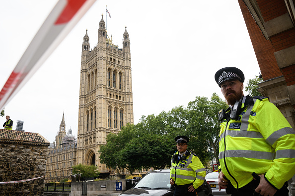 Houses Of Parliament - London「Pedestrians Injured As Car Crashes Into Security Barriers At Westminster」:写真・画像(3)[壁紙.com]