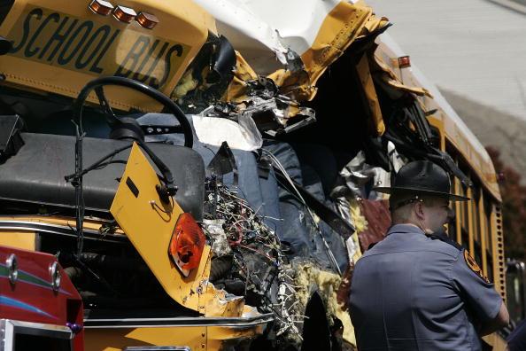 School Bus「Child Killed In School Bus Accident」:写真・画像(11)[壁紙.com]
