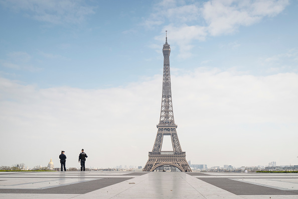 Eiffel Tower「France Faces The Coronavirus」:写真・画像(1)[壁紙.com]