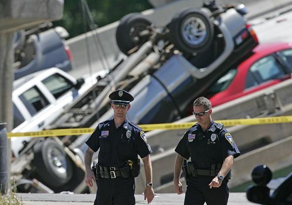 Minnesota「Major Freeway Bridge Collapses In Minneapolis During Rush Hour」:写真・画像(15)[壁紙.com]