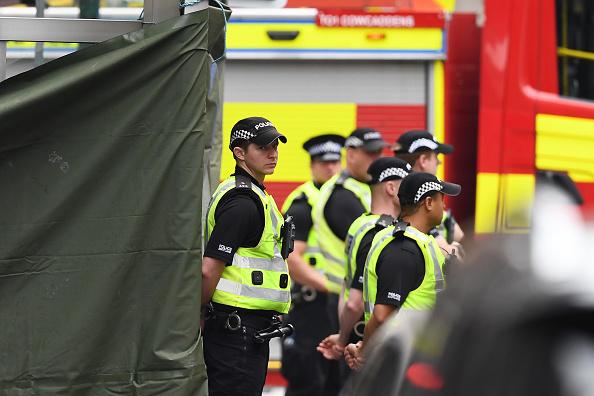 Glasgow - Scotland「Police Officers Shoot Knifeman Dead In Central Glasgow Hotel」:写真・画像(16)[壁紙.com]