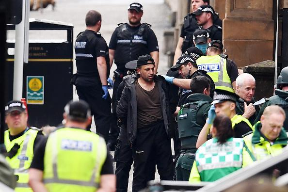 Glasgow - Scotland「Police Officers Shoot Knifeman Dead In Central Glasgow Hotel」:写真・画像(3)[壁紙.com]