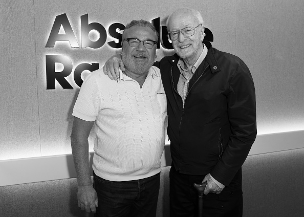 Eamonn M「Michael Caine and Ray Winstone At Absolute Radio」:写真・画像(7)[壁紙.com]