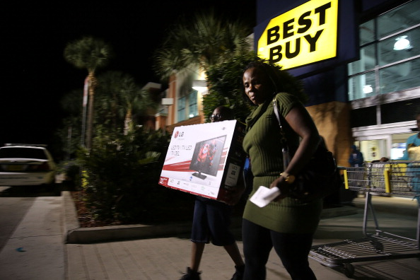 Naples - Florida「Shoppers Take Advantage Of Black Friday Deals」:写真・画像(18)[壁紙.com]