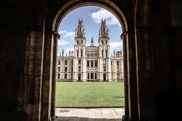 Horizontal「Dreaming Spires Deferred: Oxford Empties Amid Coronavirus Lockdown」:写真・画像(4)[壁紙.com]