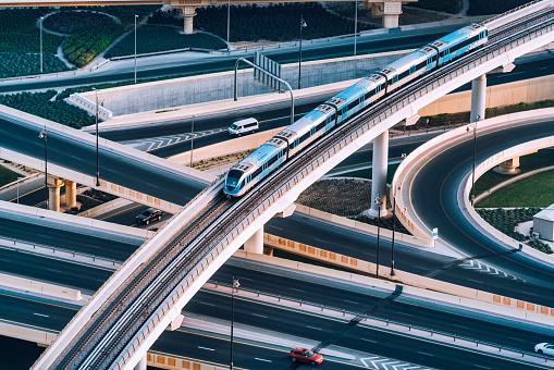 City Life「Highway intersection and Metro Train in Dubai, UAE」:スマホ壁紙(13)
