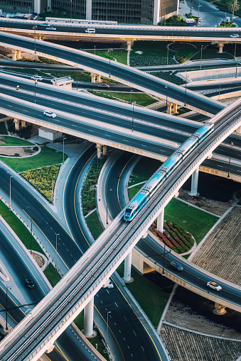 Monorail「Highway intersection and Metro Train in Dubai, UAE」:スマホ壁紙(10)