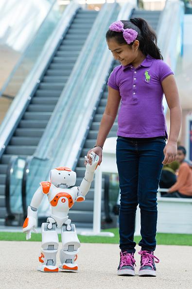 Vertical「Westfield Hosts Interactive Artificial Intelligence Storytelling For Kids At Pop-Up Indoor Park」:写真・画像(13)[壁紙.com]
