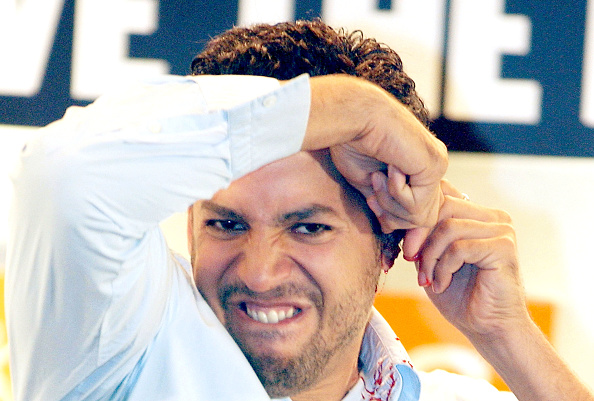 Bruno Vincent「David Blaine Cuts Off His Left Ear In Press Conference」:写真・画像(1)[壁紙.com]