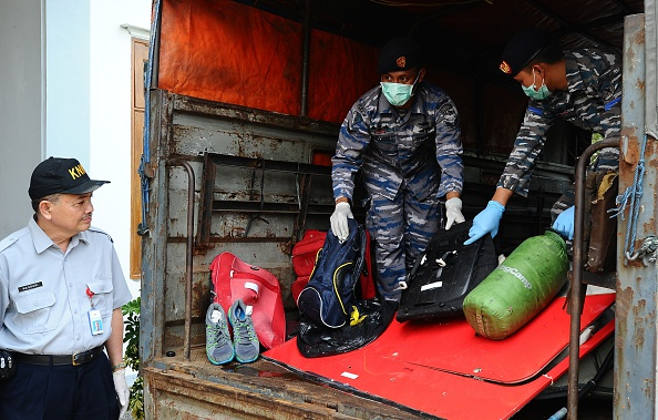 Robertus Pudyanto「Recovery Operation Continues For AirAsia QZ8501 Wreckage」:写真・画像(2)[壁紙.com]