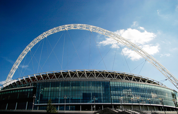 Outdoors「Wembley Stadium was designed by architects HOK Sport and Foster & Partners with Engineers Mott Macdonald and was built by Multiplex.  The signature feature is the circular section lattice arch which is 133 metres tall and sits above the northern half of」:写真・画像(11)[壁紙.com]