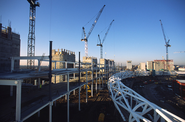 Meter - Unit of Length「Wembley stadium-London: Conventional steel frame stands were built alongside the interlacing steel tubes of the signature arch, constructed on the ground by Cleveland Bridge (before litigation withmain contractor Multiplex). After lifting the 317 metres」:写真・画像(4)[壁紙.com]