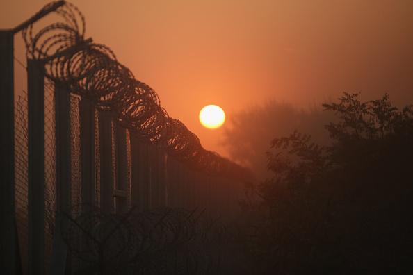 ハンガリー「Migrants Arrive In Hungary As Fears Grow Over Possible Border Closures」:写真・画像(13)[壁紙.com]