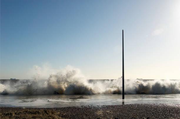 Storm surge sea, Felixstowe, Suffolk, UK:ニュース(壁紙.com)
