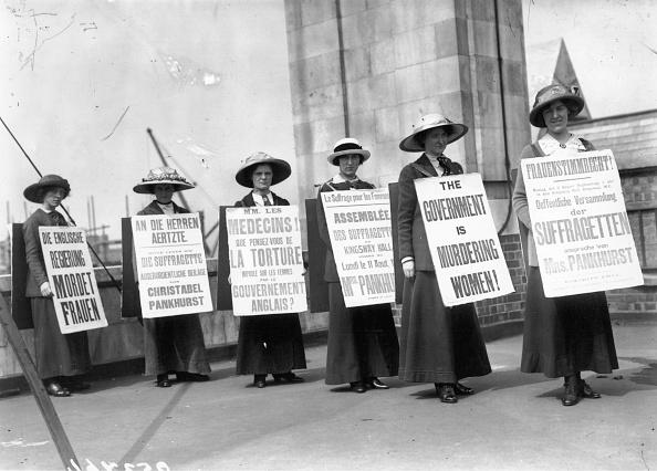 Women「Trilingual Protest」:写真・画像(14)[壁紙.com]