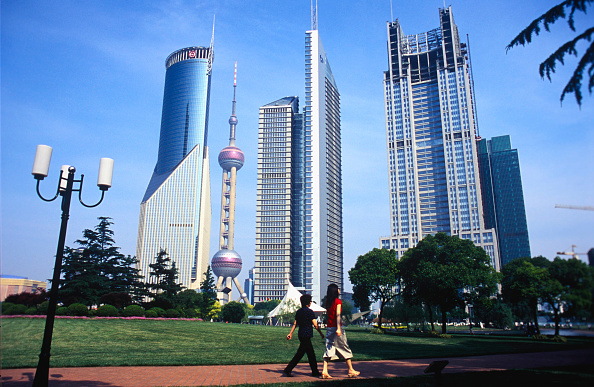 Bank - Financial Building「Lujiazui Business Districk in Pudong, Shanghai, China」:写真・画像(1)[壁紙.com]