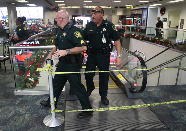 Fort Lauderdale「Shooter Opens Fire In Baggage Claim Area At Fort Lauderdale Airport」:写真・画像(4)[壁紙.com]